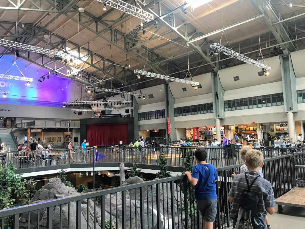 Family Vacation to Seattle - Armory at Lunch Time